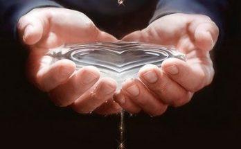Corazón en el agua imágenes