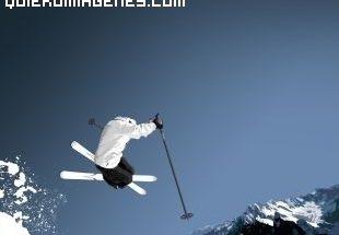Impresionante salto de esquí imágenes