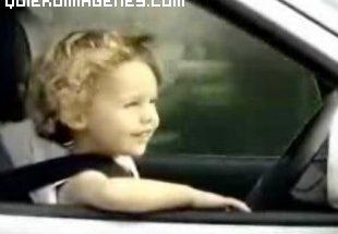 Imagen de bebé conduciendo imágenes