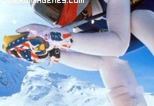 Practicando esquí imágenes