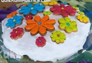 Tarta de cumpleaños primaveral imágenes