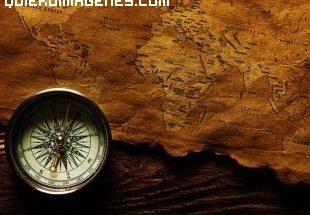 Brújula con un mapa antiguo imágenes