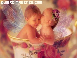 Pequeños angelitos con aire retro imágenes
