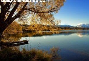 Lago en calma imágenes