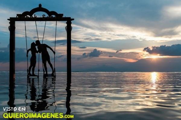 Columpio sobre el mar imágenes