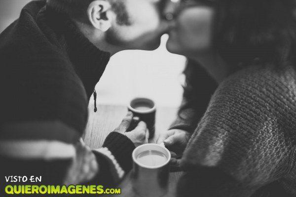 Un beso con sabor café imágenes